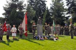 pomnik-generala-sedlacka-01
